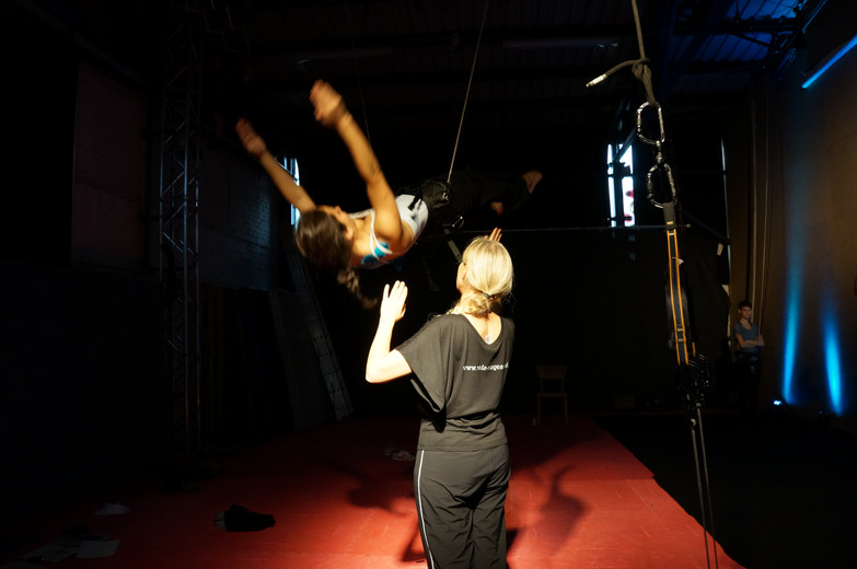 2014-10-20 07 Vertical-Flying-Dance-Thre