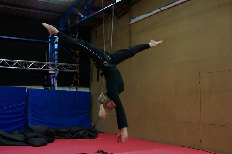 2014-10-20 69 Vertical-Flying-Dance-Thre