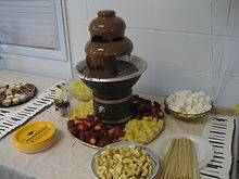 Dessert tables and fountains