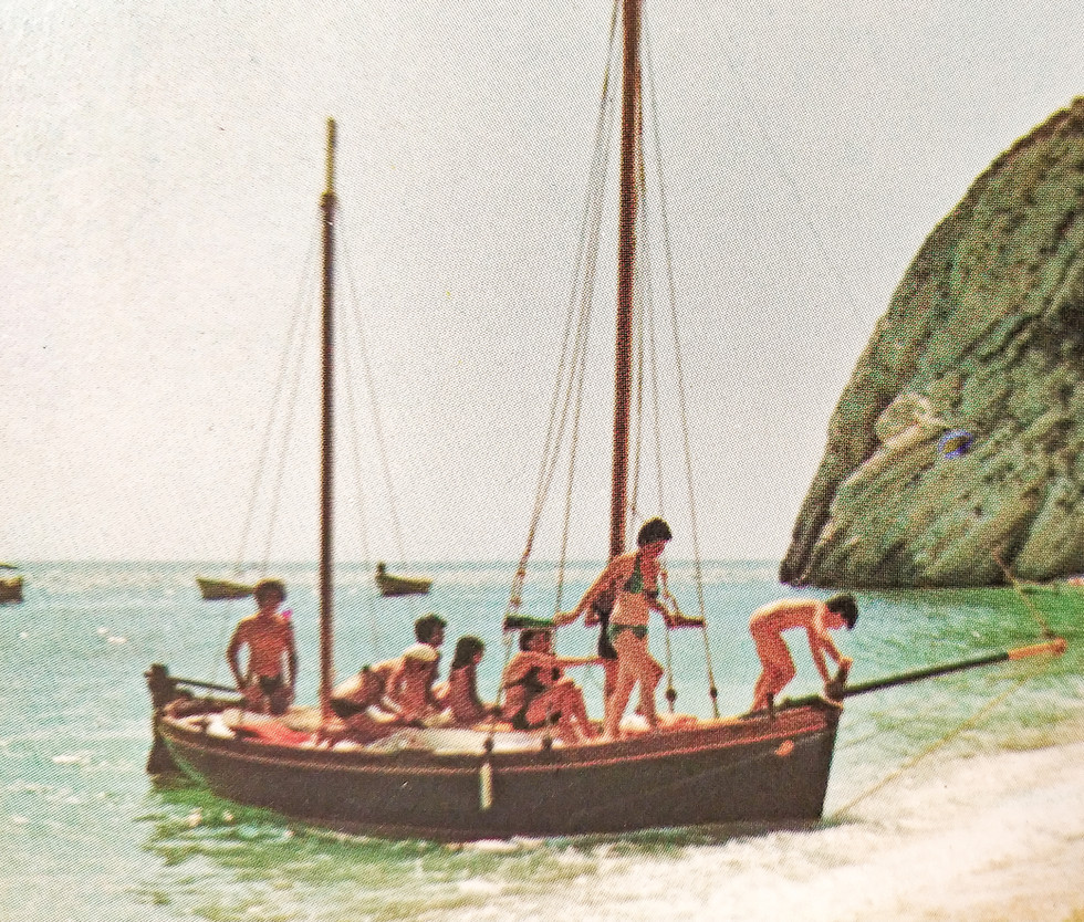 1980s, the DonMar takes people to the Due Sorelle beach.