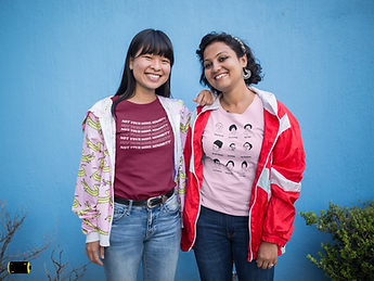 mockup-of-two-girlfriends-wearing-t-shirts-and-jackets-20650.png