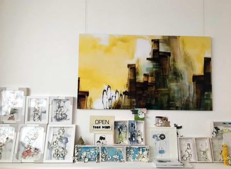 eine Wand im Atelier