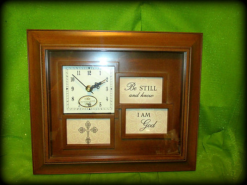 Clocks with Interchangeable Pictures