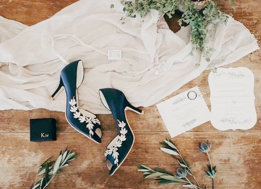 wedding day details auburn bride