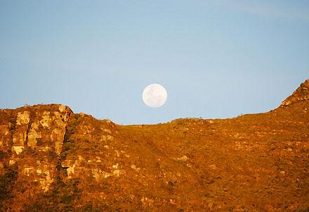 Da Vila do Vale do Capão, o Nascer da Lua
