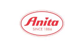 anita-lingerieroom.png