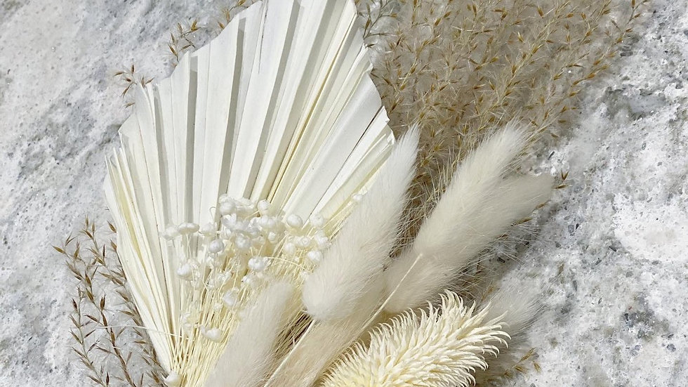 Mini white bouquet