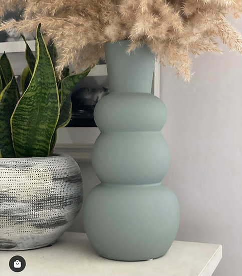 Ariel matte vase
