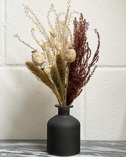 Golden Yule bouquet and vase set