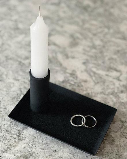 Jona candle stick holder