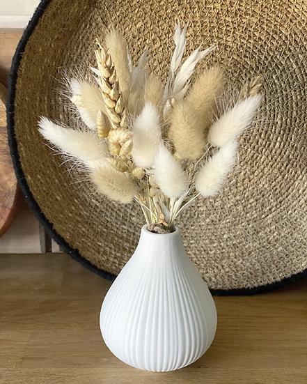 Natural bundle for ceramic vases