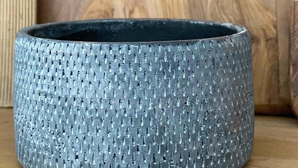 Black/grey toned Delilah pot