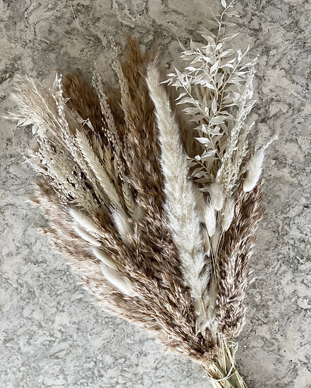 Large fluffy pampas and white bouquet