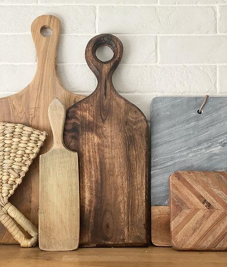 Mango wood chopping board with loop handle