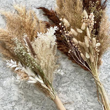 Dried & preserved bouquets, stems and grasses
