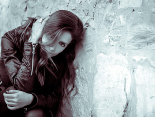 """""""Σαν ροκ μυθιστόρημα: Daphne Gerogianni / Alive She Died"""" @ Athens Voice"""