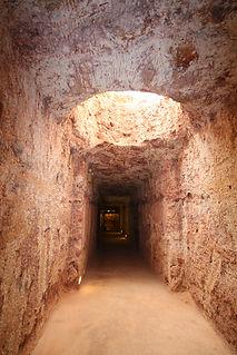 underground opal mines
