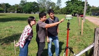 Equipe da Unifloresta participa de treinamento para manuseio de GNSS em campo