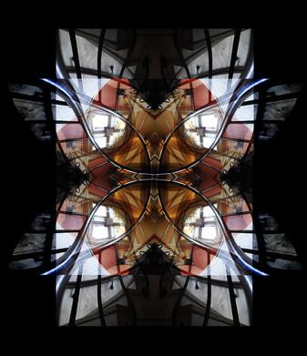 mirrored-staircase2.jpg