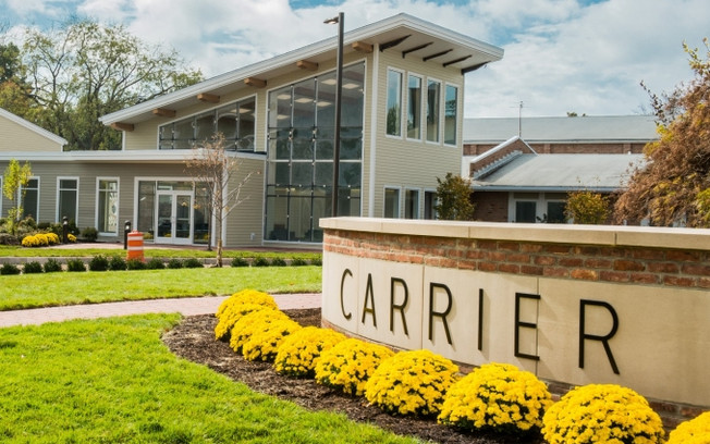 Carrier Clinic to Build a Fence to Calm Neighbors' Concerns Regarding Patients Who Flee Drug &am
