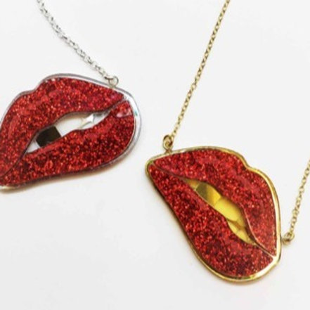 lips. silver. gold.