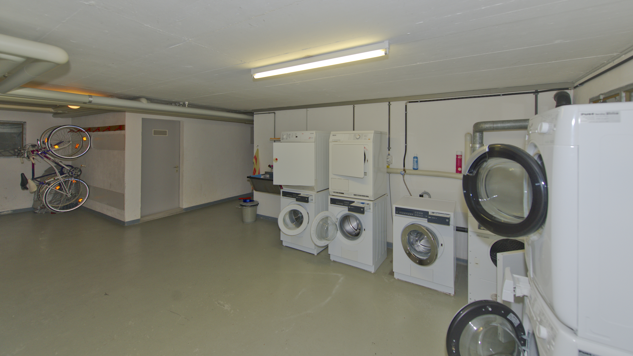 Waschküche mit dem eigenen Turm