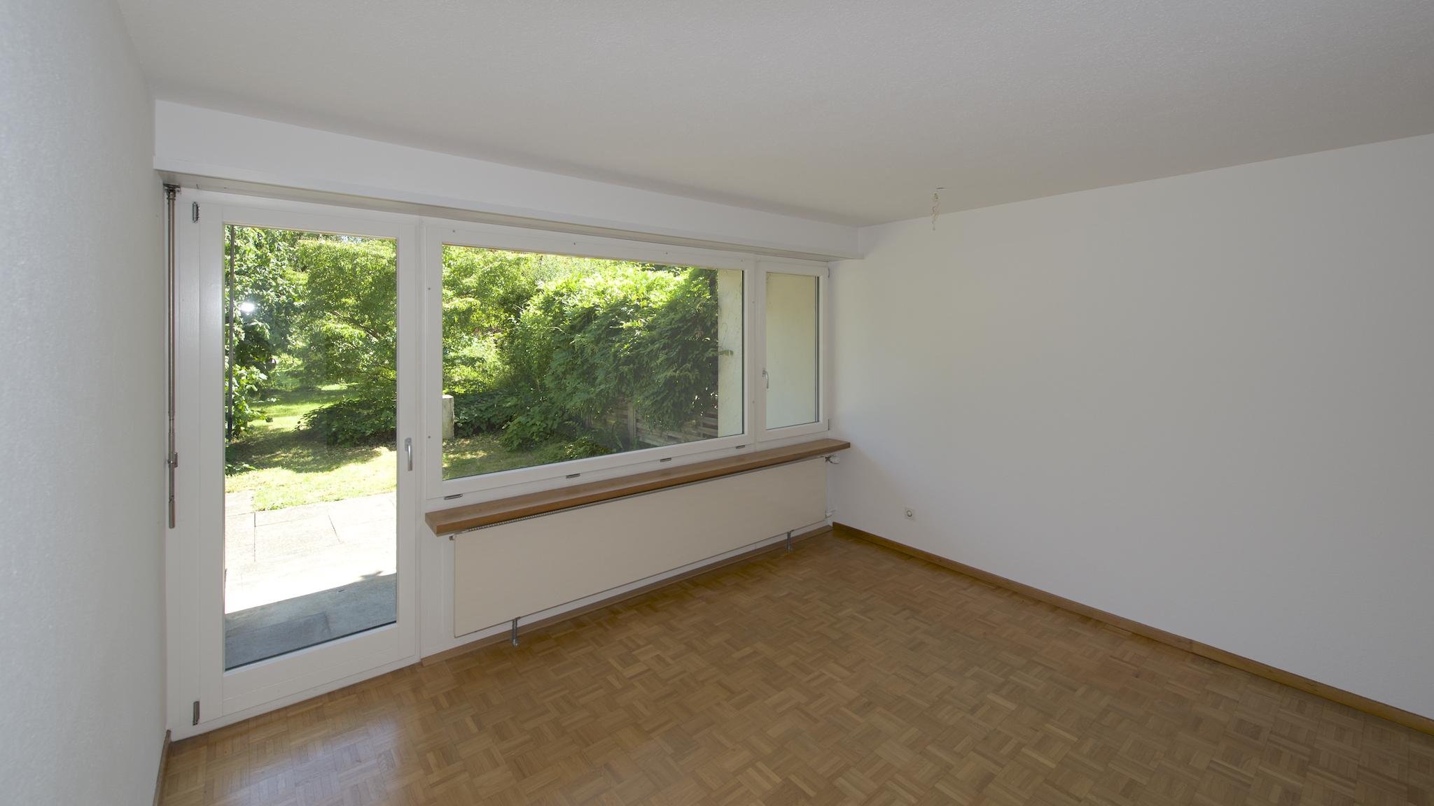 Wohnzimmer mit dem Ausgang auf den Sitzplatz