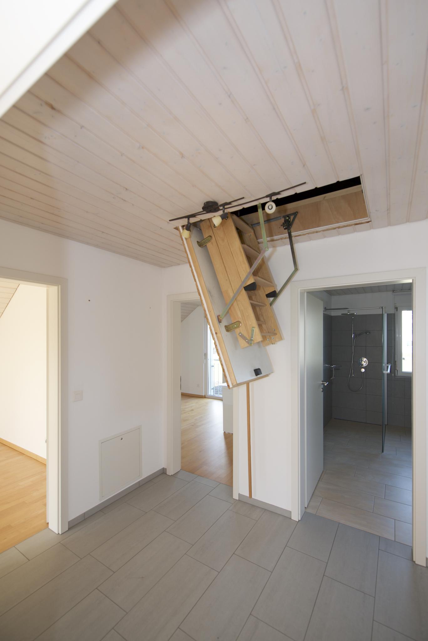 Vorplatz mit der Treppe in der Estrich