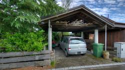 Der Carport mit der Solaranlage auf dem Dach