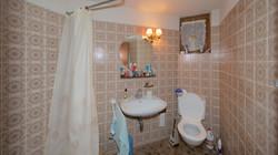 Dusche/WC im Sockelgeschoss