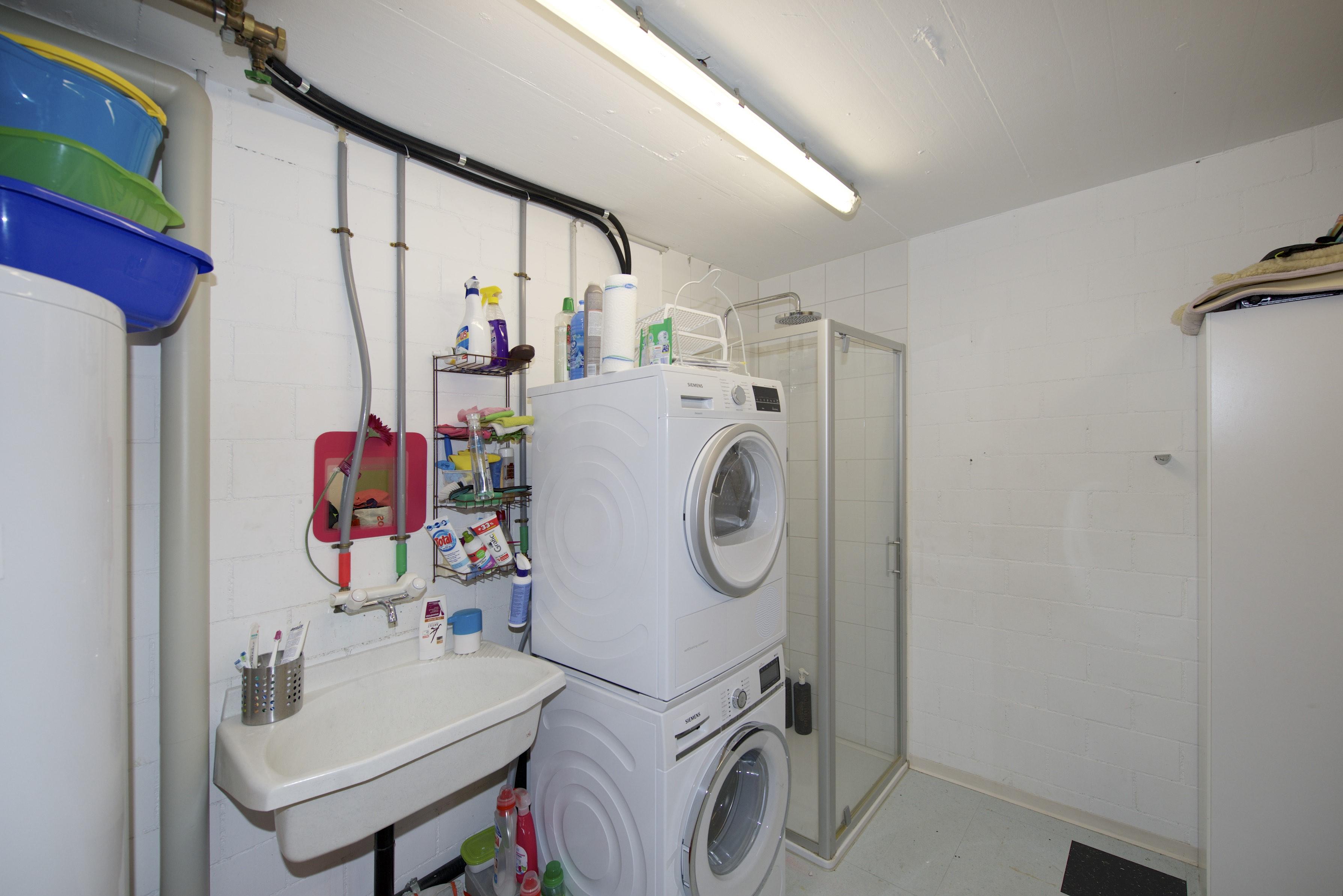 Waschturm mit Dusche