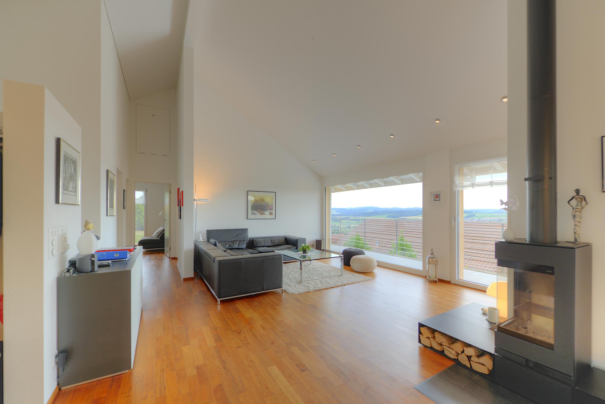 Wohnzimmer mit dem Panoramafenster