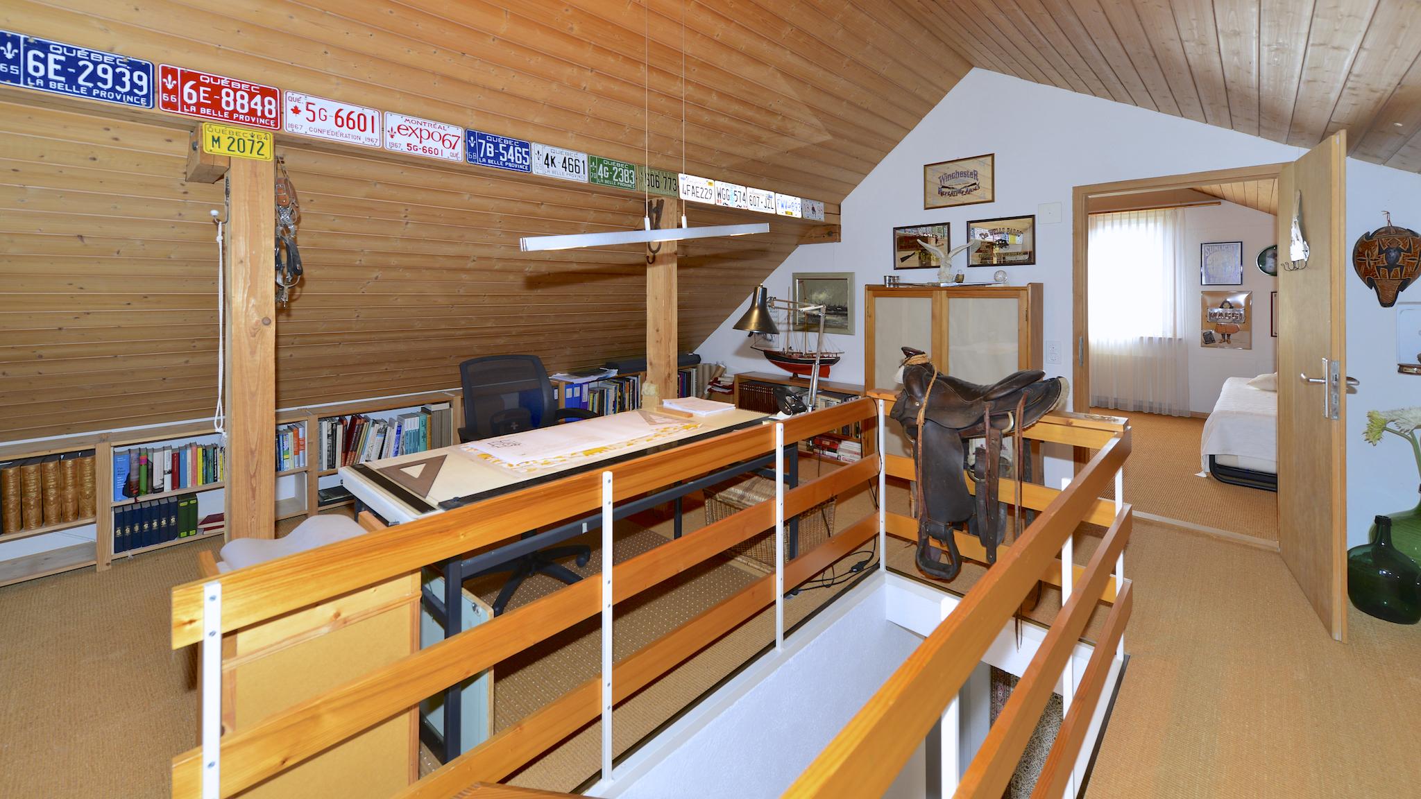 Das grosse, unterteilbare Dachzimmer
