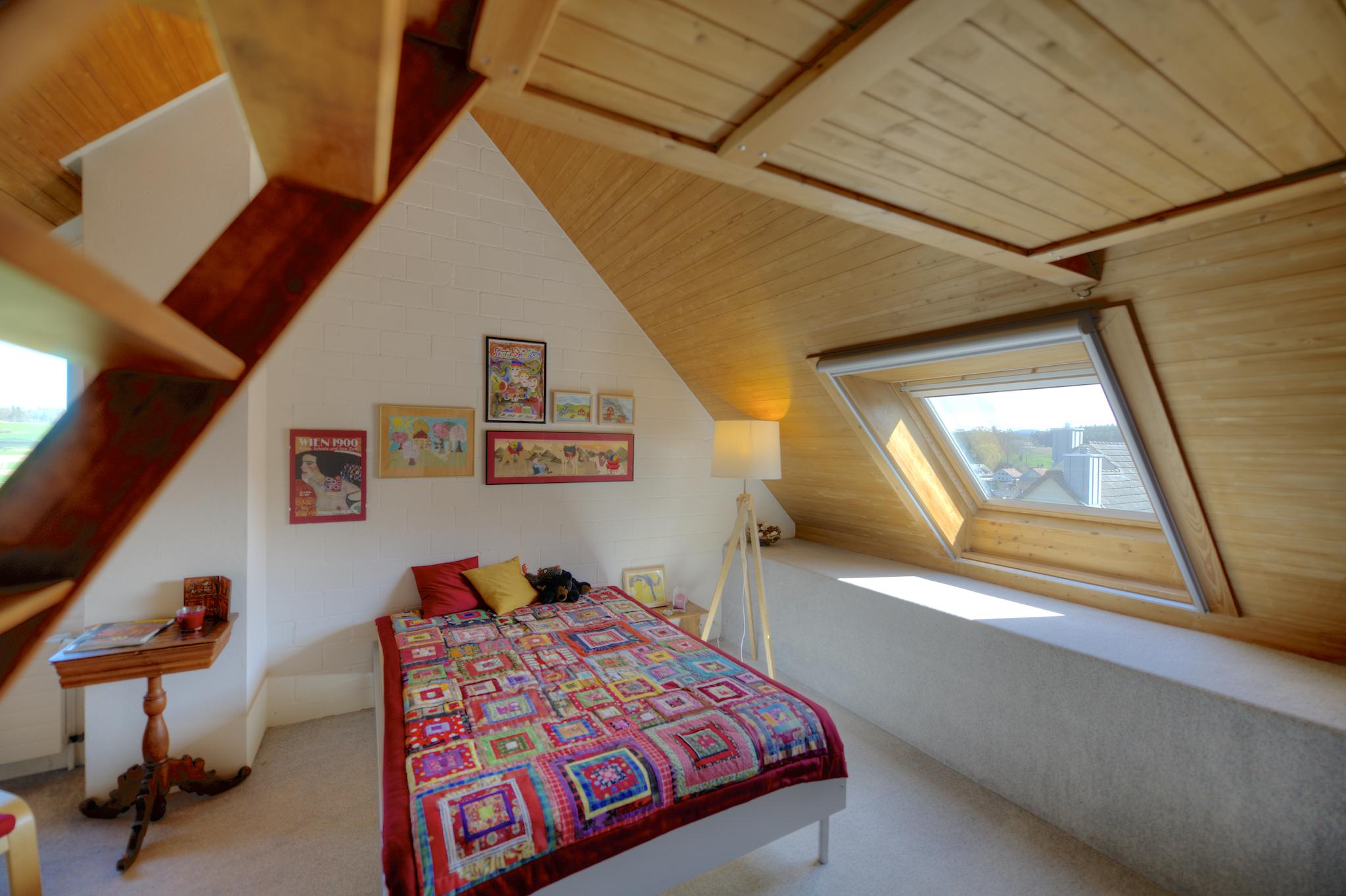 Dachzimmer mit Südfenster