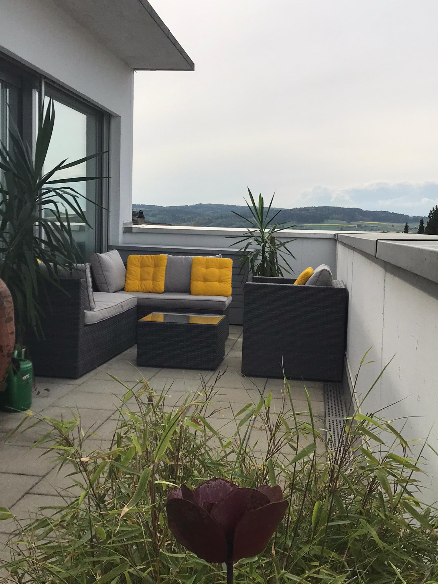 Nord-West-Terrasse im Sommer