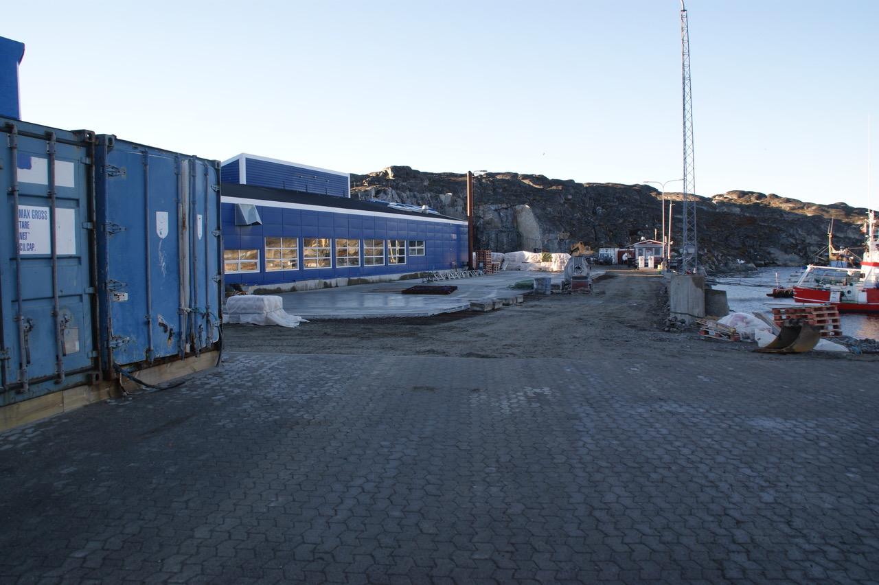 Nordseite 2010, Vorplatz im Bau