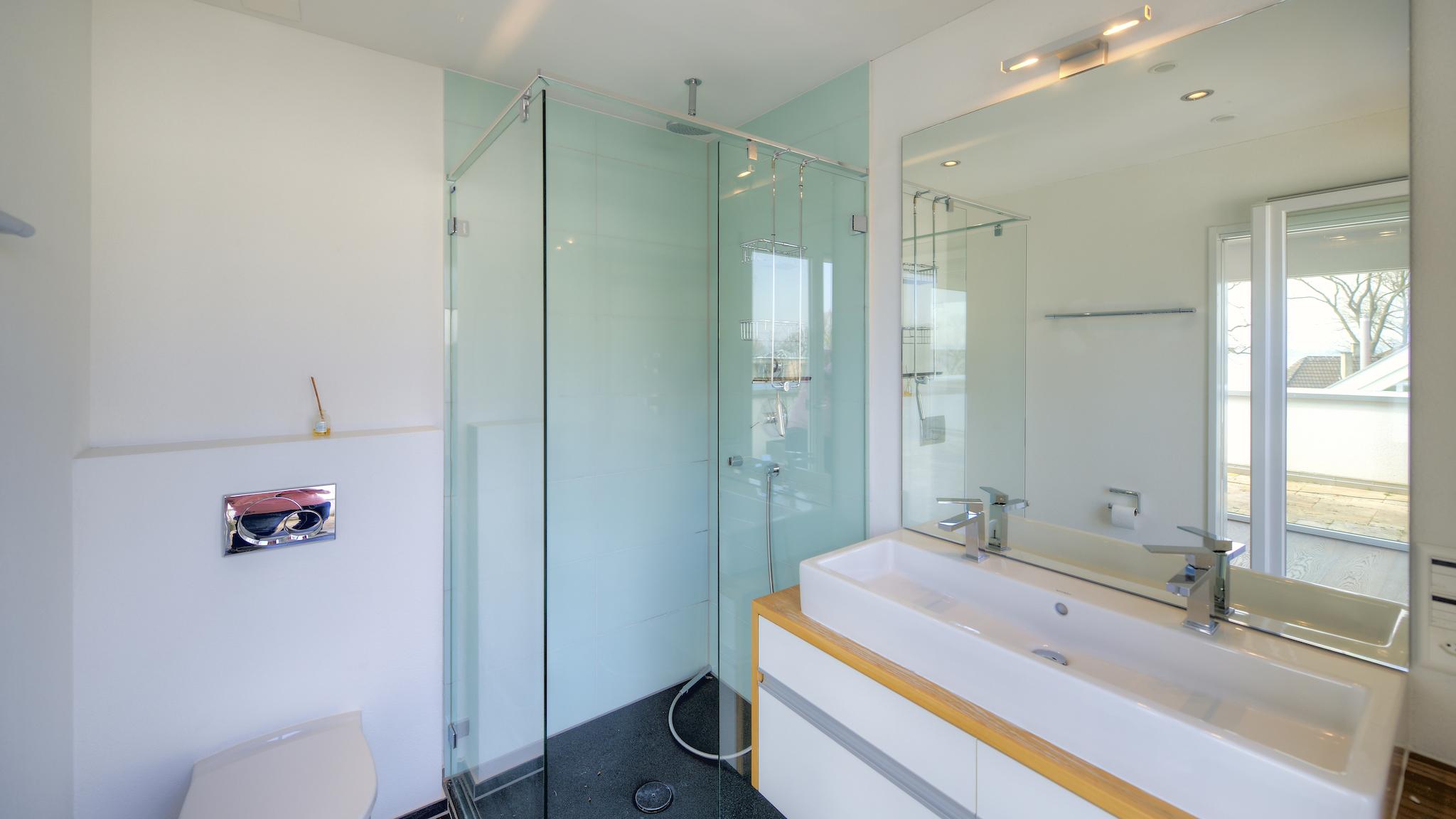 Dusche/WC im Penthouse