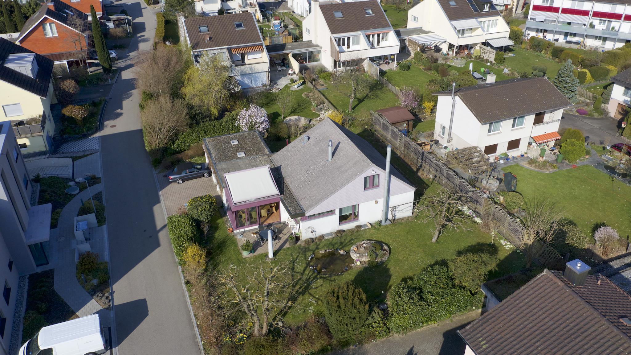 Das Haus mit dem grossen Umschwung