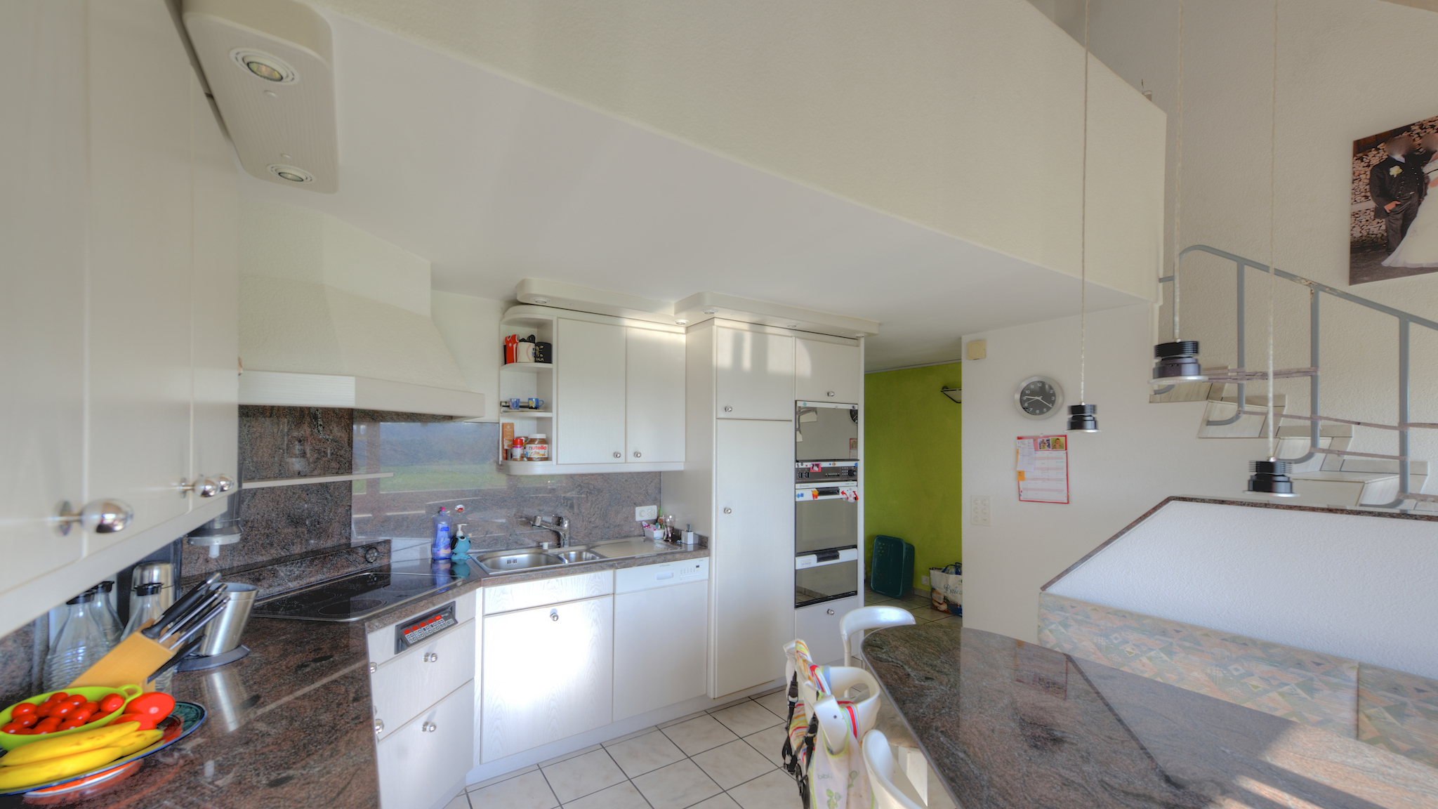 Küche/Essplatz mit Aussicht