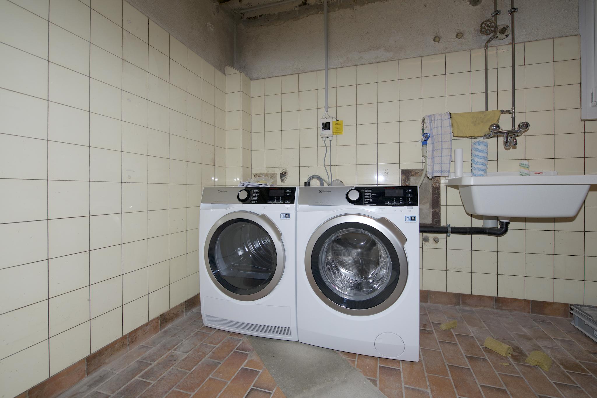 """""""Waschturm"""" für die beiden Wohnungen"""