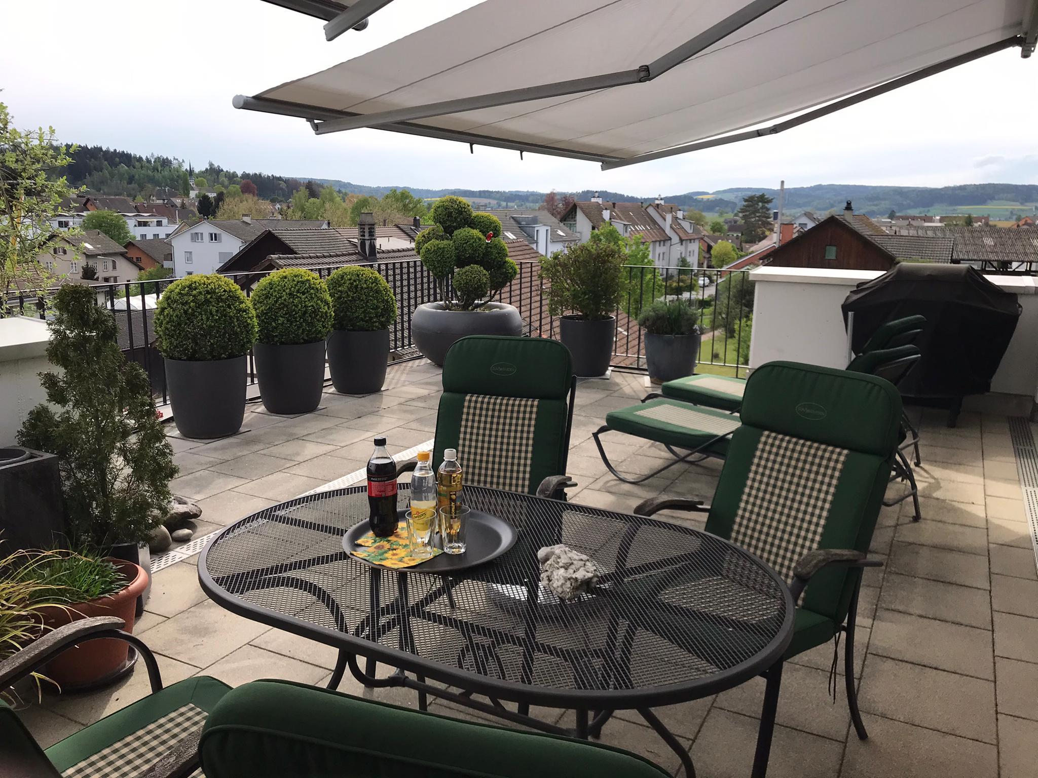 Haupt-Terrasse im Sommer