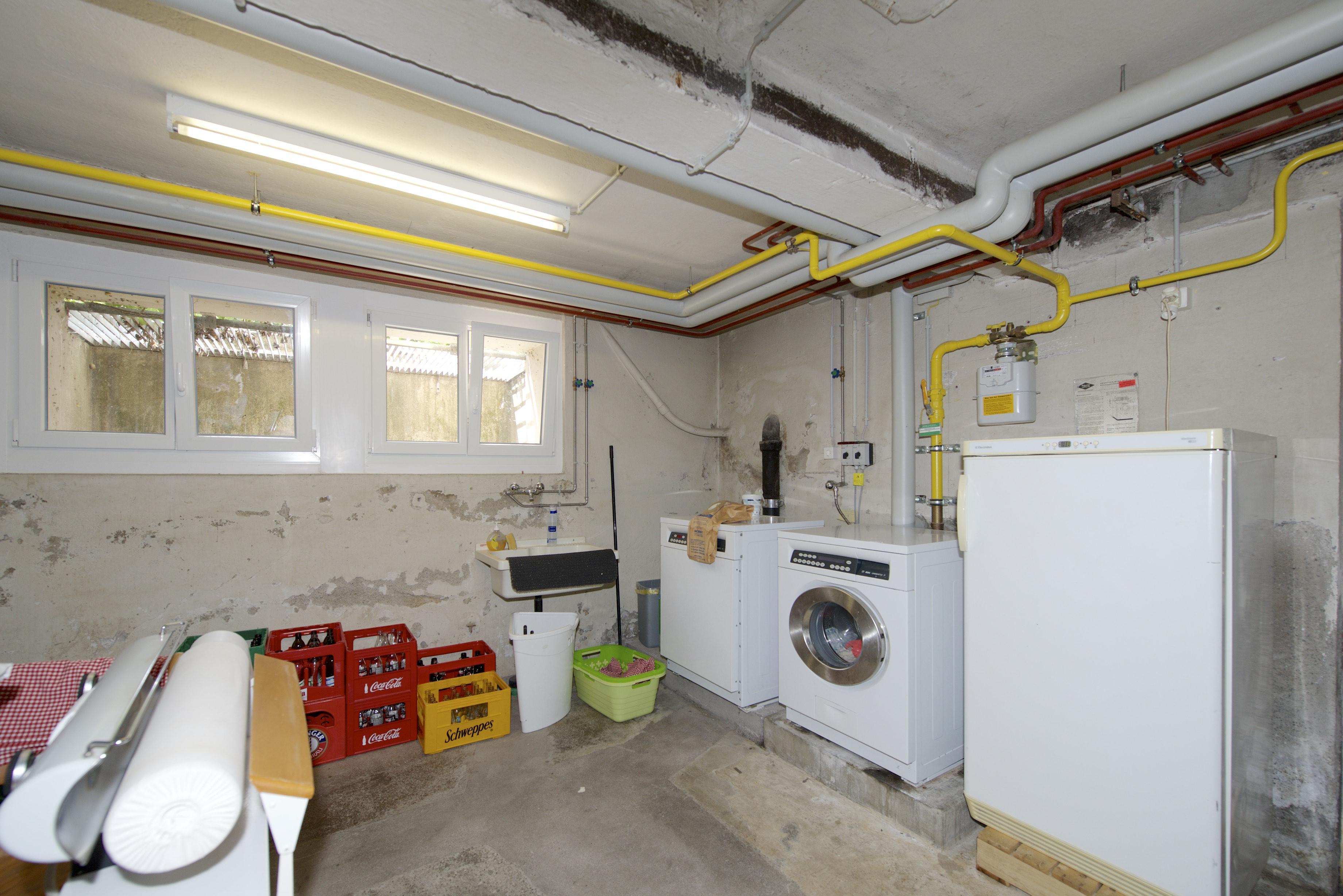 Kellerraum mit der Waschküche