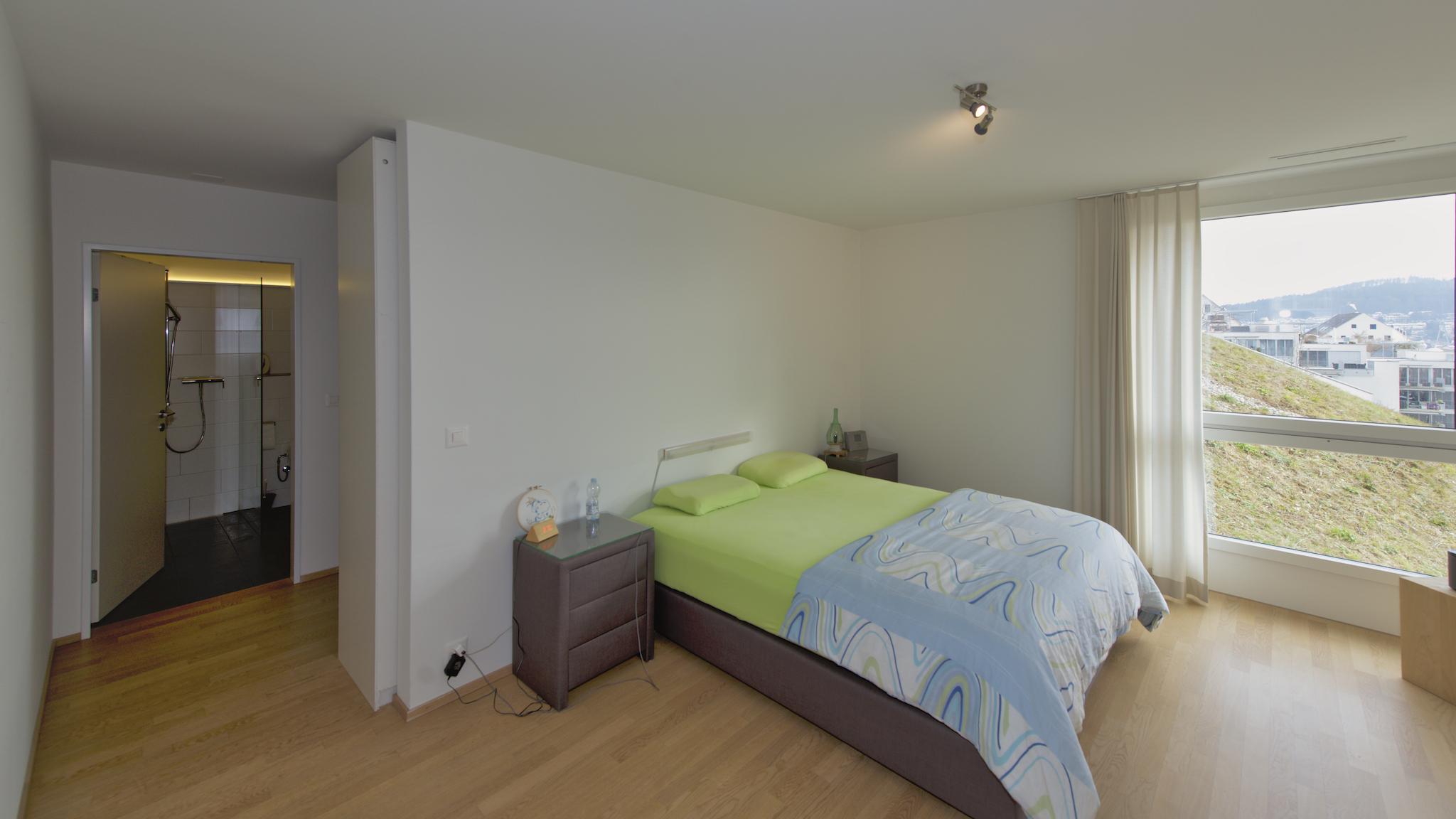 Eltern-Suite mit Ankleide und eigenem, Bad