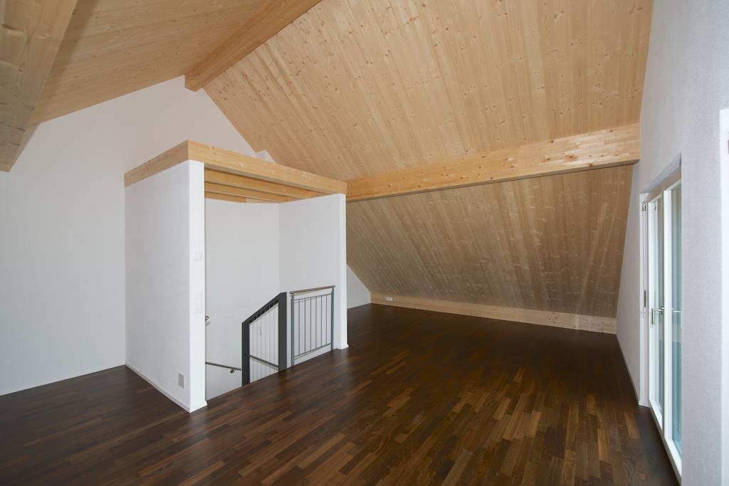 Das grosse und helle Dachzimmer