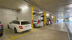Garagenplatz 2 (wo das weisse Auto steht)