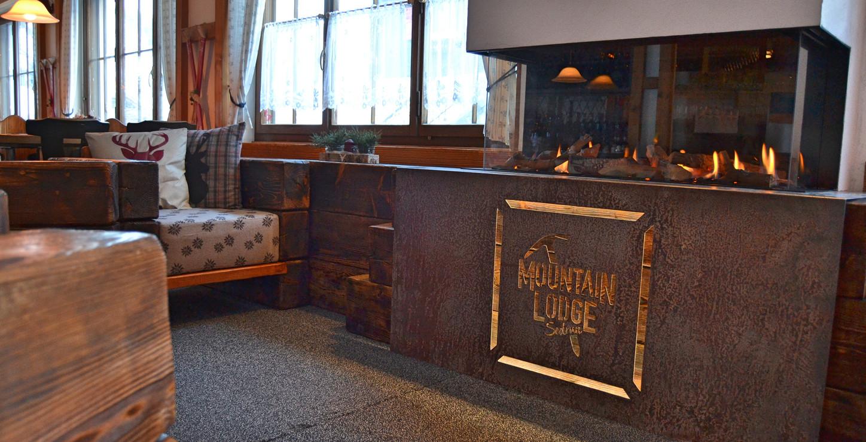 Mountain Lodge Lounge