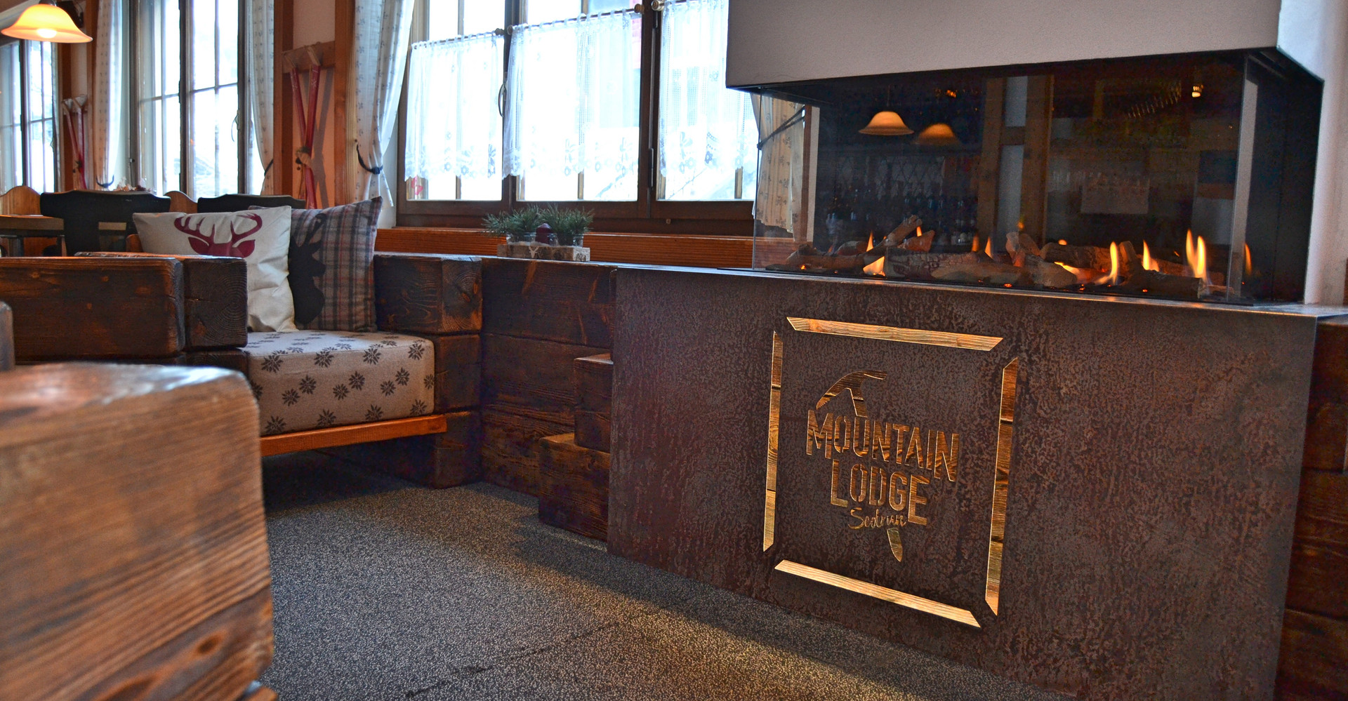 Mountain Lodge Lounge