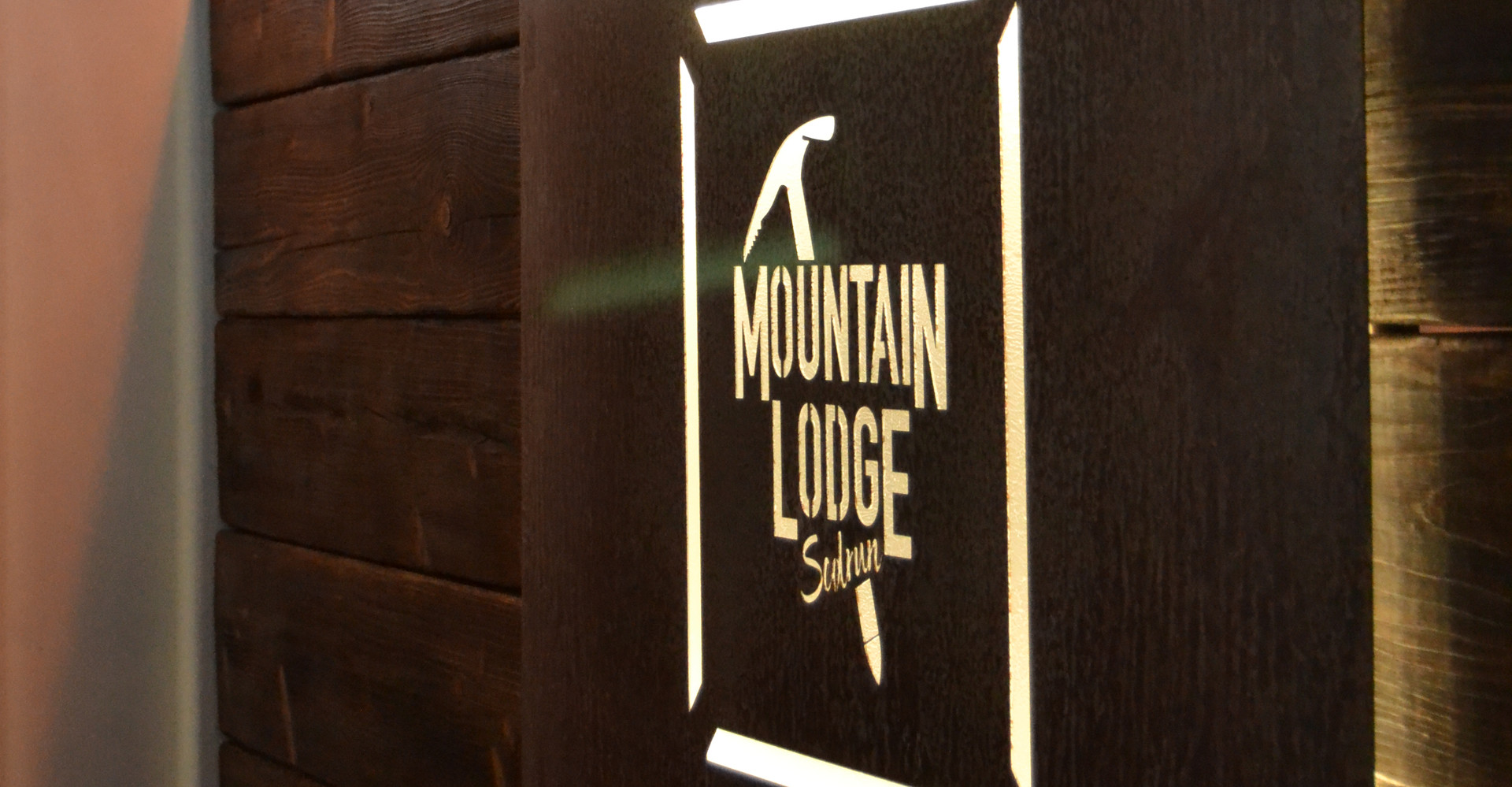 Mountain Lodge Reception
