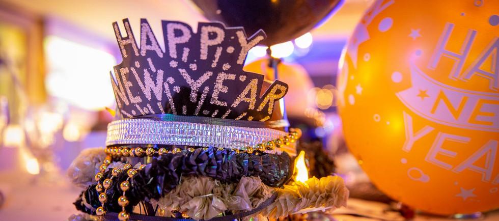 2020 NYE hats.jpg