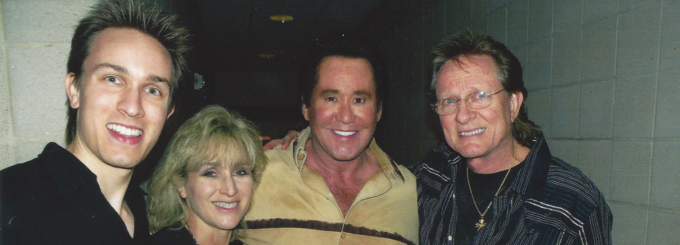 Nash 3 with WayneNewton at the HoustonRodeo_2011 .jpg